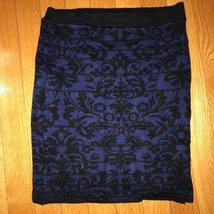 Dresses & Skirts - Gorg fit pencil skirt with Navy/black damask print
